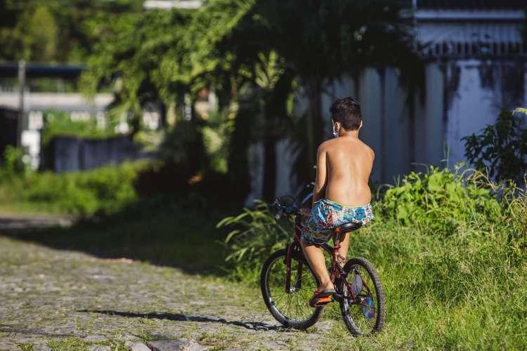 FORTALEZA, CE, BRASIL, 16-06-2020: Movimentação no bairro Messejana, com o aumento no índice de violência. Em epoca de COVID-19. (Foto: Aurelio Alves/O POVO) (Foto: Aurelio Alves/ O POVO)
