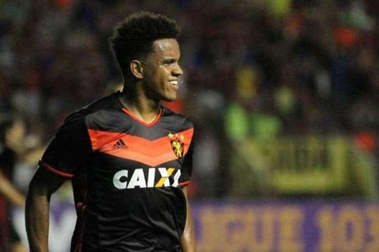 Rithely tem 29 anos e fez nove partidas pelo Sport na atual temporada (Foto: Sport Recife/Divulgação )