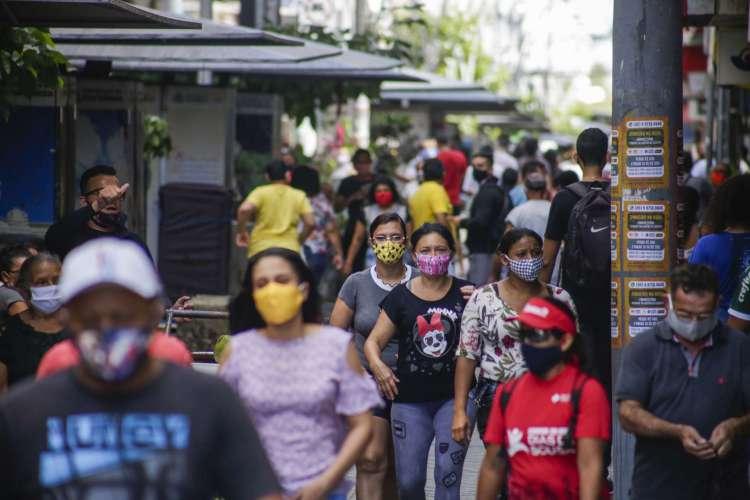 Movimentação no Centro de Fortaleza na manhã dessa quarta-feira (Foto: Thais Mesquita/O POVO) (Foto: Thais Mesquita)