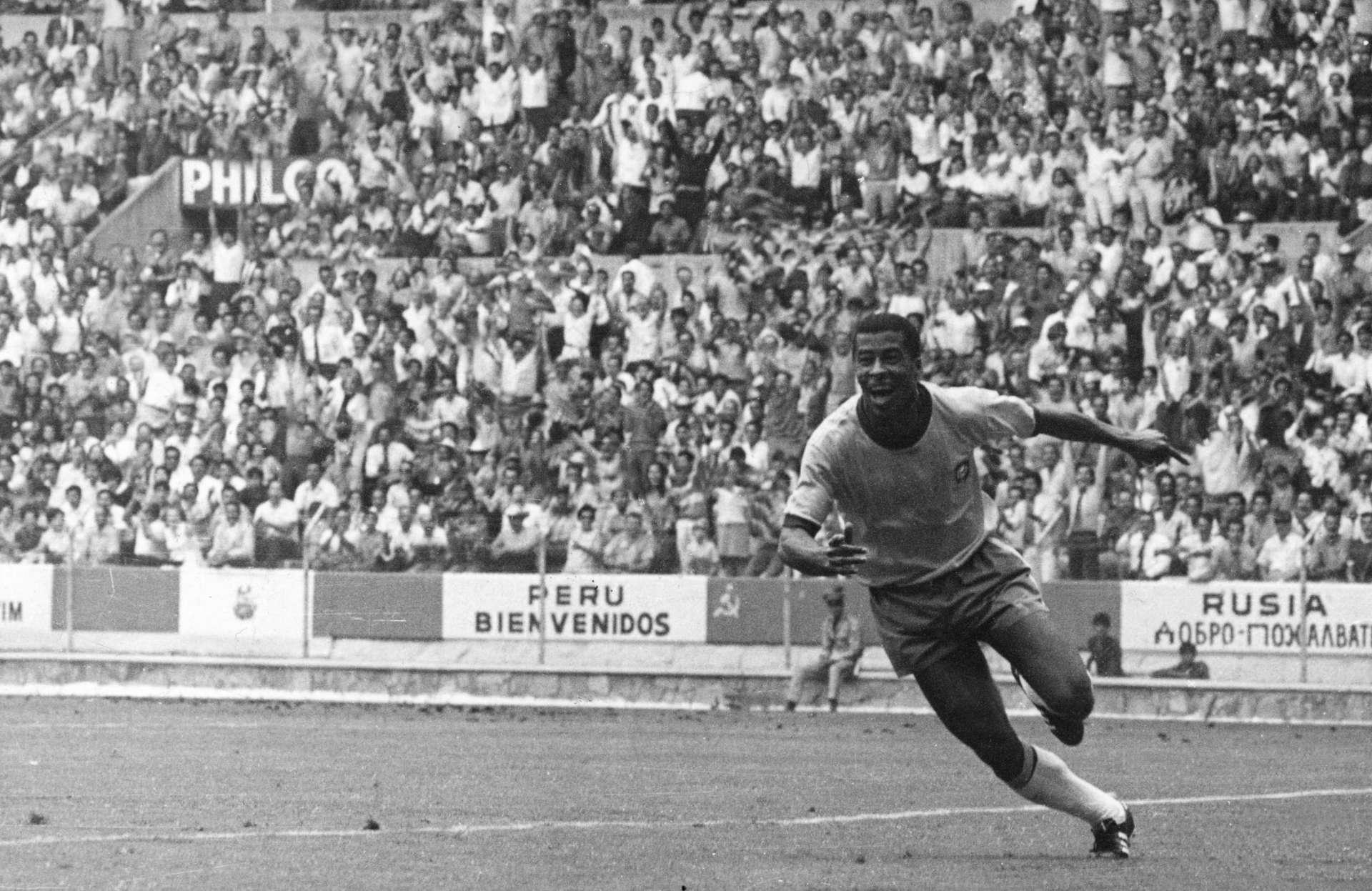 JAIRZINHO comemora gol na Copa de 1970