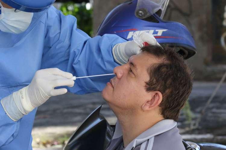 FORTALEZA, CE, BRASIL, 18.06.2020:  testes para covid-19 com agendamento são feitos em drive-thru no HGF .   (Fotos: Fabio Lima/O POVO). (Foto: Fabio lima)