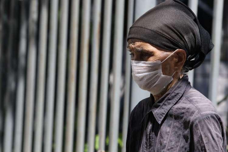 FORTALEZA, CE, BRASIL, 18.06.2020: Pessoas nas ruas de Fortaleza usando máscaras.   (Fotos: Fabio Lima/O POVO) (Foto: Fabio lima)