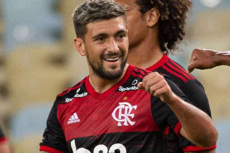Arrascaeta marcou para o Flamengo contra o Bangu, em jogo que marcou a retomada do Carioca