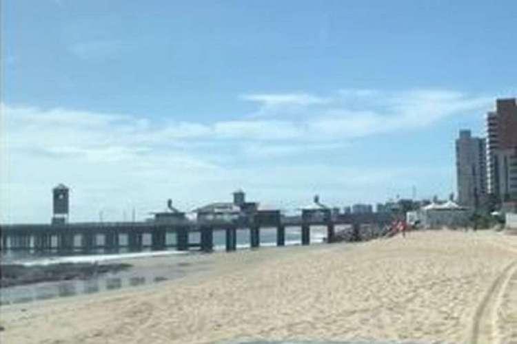 Praia de Iracema vazia na manhã deste sábado, 20 (Foto: Reprodução)