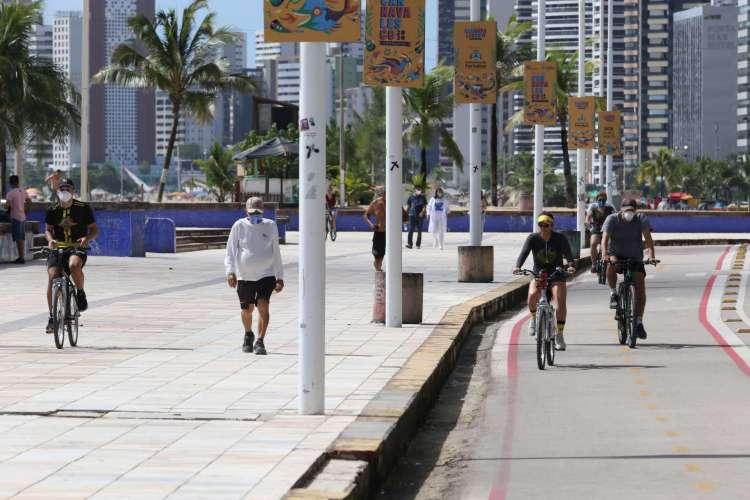 FORTALEZA, CE, BRASIL, 21.06.2020: Praia de Iracema durante o período de isolamento social por causa do novo coronavírus no Ceará (Foto: Fabio Lima)