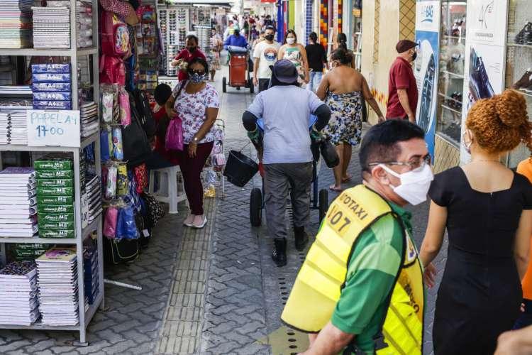 Entenda o que deve mudar e quais restrições devem ser mantidas caso a terceira fase de reabertura no Ceará seja aprovada (Foto: Thais Mesquita)