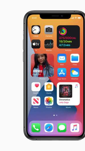 Novo iOS traz widgets na tela inicial, entre outras novidades; sistemas para iPad, Apple Watch, computadores Mac e Apple TV também ganharam atualizações (Foto: Divulgação/Apple)