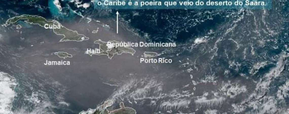A extensa nuvem de poeira podia ser vista facilmente através da imagens de satélite