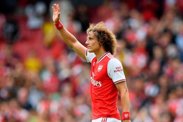 Zagueiro David Luiz se despede do Arsenal ao final do vínculo (Foto: AFP)