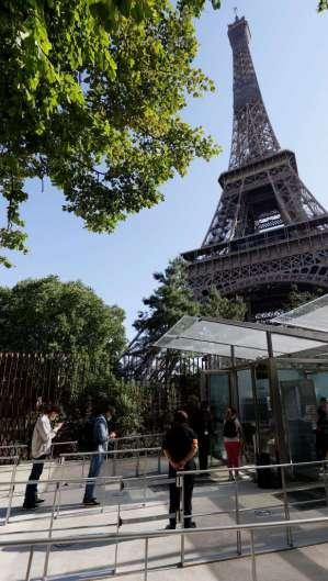 Reabertura da Torre Eiffel (Foto: Thomas SAMSON / AFP)