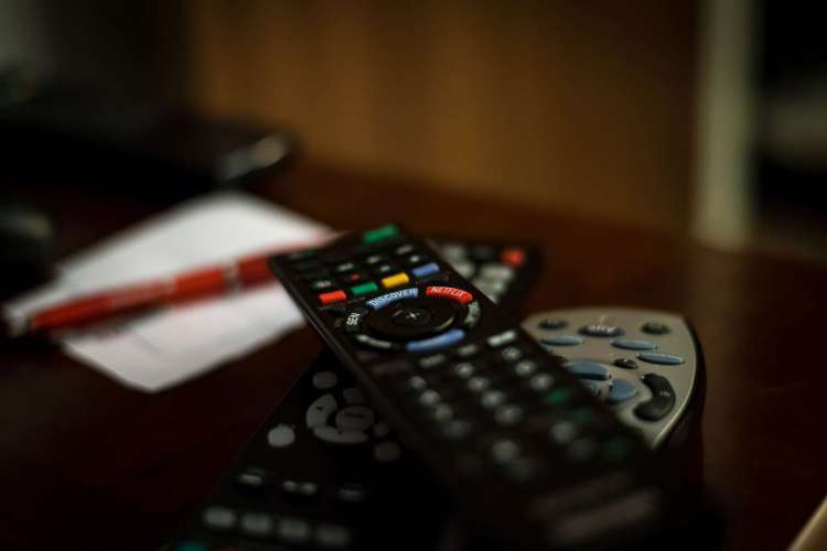 Através da internet, as empresas pagarão menos impostos em relação ao serviço tradicional, regulado pela Anatel. (Foto: tookapic/Pixabay)
