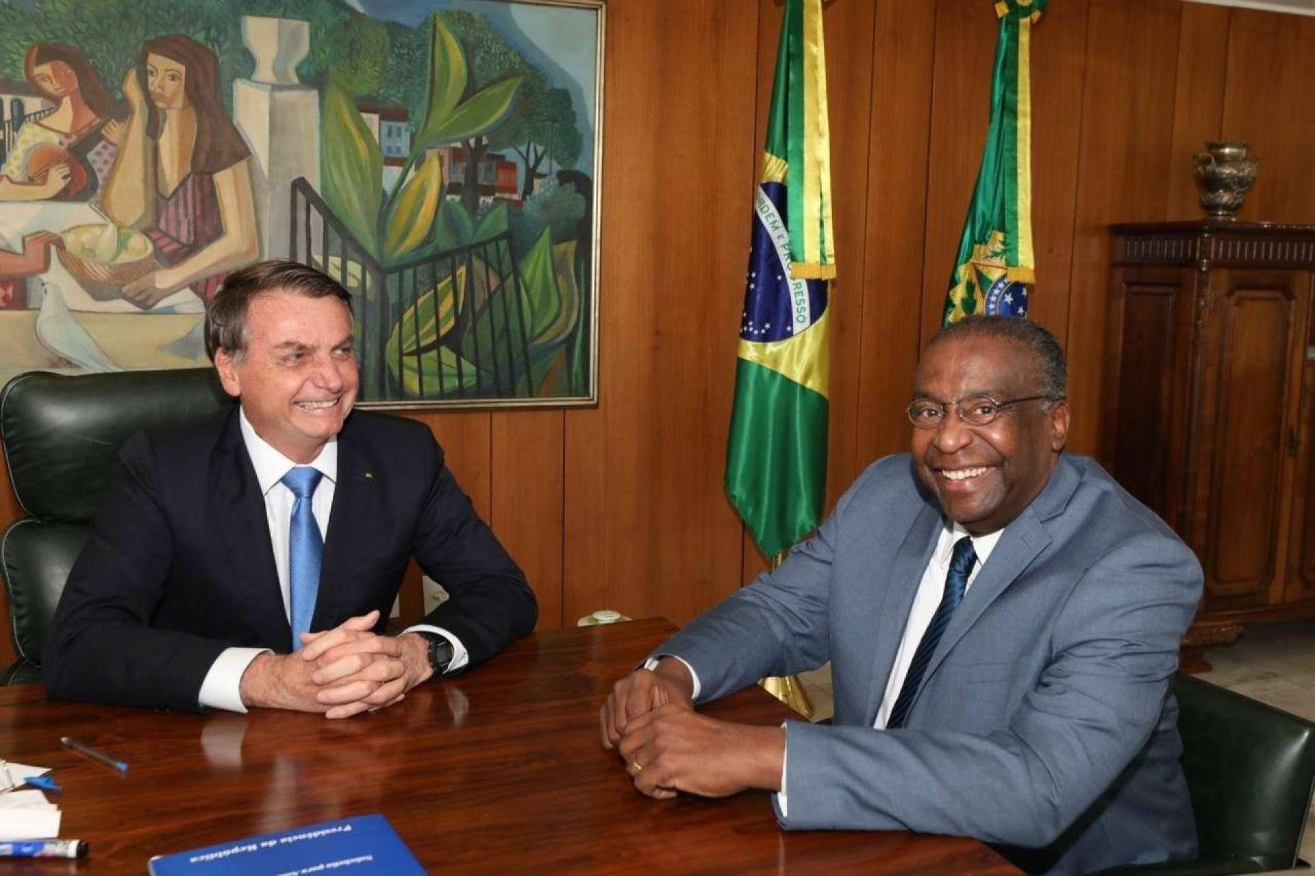 BOLSONARO anunciou Decotelli como novo ministro da Educação na última quinta-feira, 25