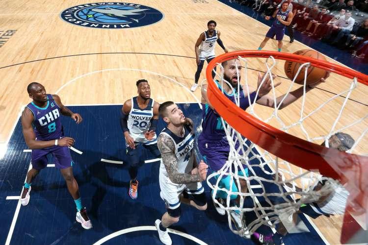 Jogos da NBA serão retomados em 30 de julho no complexo esportivo da Disney (Foto: AFP)