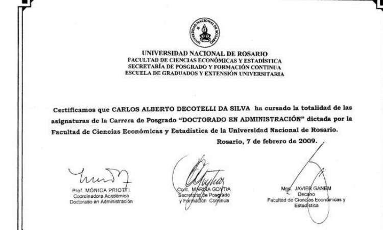 MEC apresenta certificado emitido pela Universidade de Rosário, indicando conclusão dos créditos necessários para o doutorado de Decotelli