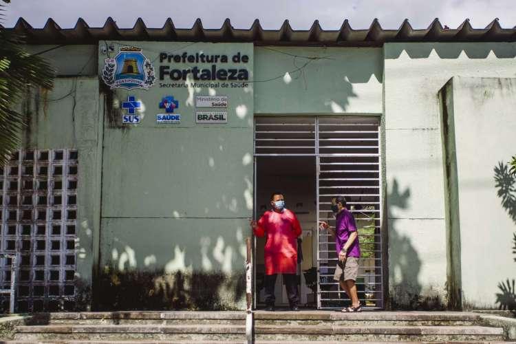 FORTALEZA, CE, BRASIL, 27-06-2020: Movimentação no Posto de Saúde Anastácio Magalhães . Em epoca de COVID-19. (Foto: Aurelio Alves/O POVO) (Foto: Aurelio Alves/ O POVO)