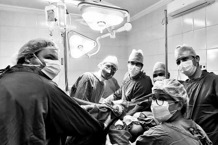 Especial médicos na pandemia Covid-19. O caos sanitário causado pelo coronavírus exigiu outra vestimenta para proteger médicos e pacientes. 28/6/2020. Fortaleza-Ceará-Brasil. Foto: Nilfacio Prado