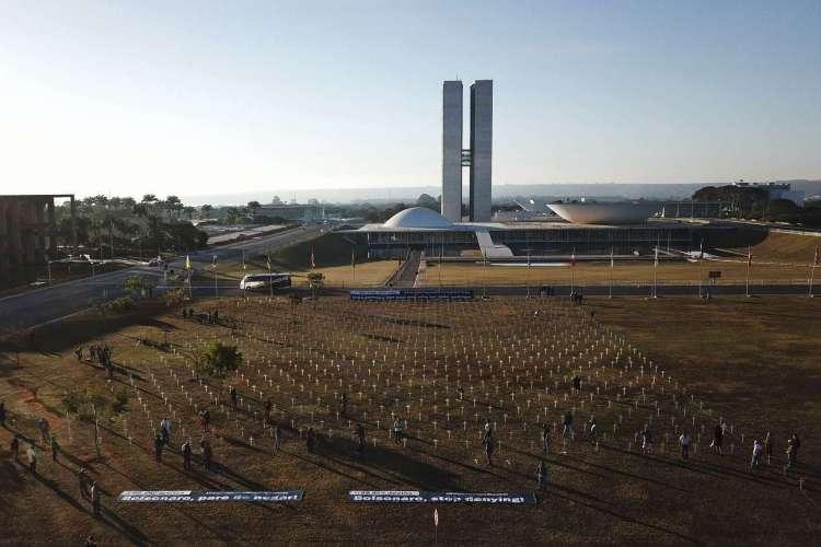 Protesto faz parte de movimentações contra a postura do governo Bolsonaro na pandemia (Foto: Sergio Lima/AFP)