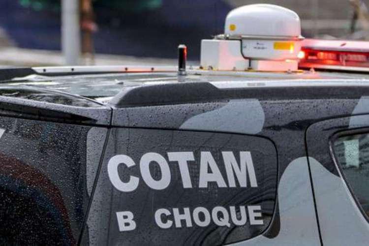 Policiais do Cotam foram alvos dos tiros no Eusébio  (Foto: Aurélio Alves/ O POVO)