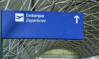 FORTALEZA, CE, 30-06-2020: Movimentacao abaixo da de costume devido a pandemia de Covid-19 afeta o faturamento das empresas de companhia área. Nas fotos, destaca-se circulacao de passageiros, balcoes de companhias de empresas como LATAM e Gol, e aviões no aguardo do voo. Aeroproto Pinto Martins, Fortaleza.(BARBARA MOIRA/ O POVO)................................................................................................................................................................................................................................................................................................................................................................................................................................................................................................................................................................................................................................................................................................................................................................................................................................................................................................................................................................................................................................................
