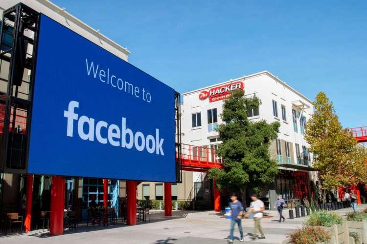 Sede do Facebook em Menlo Park, na Califórnia, em 2019. A empresa tem sido boicotada por multinacionais (Foto: Josh Edelson/ AFP)