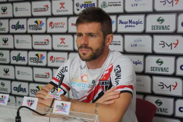 Jogador é um dos atletas contratados para a retomada do futebol  (Foto: Ferroviário/Divulgação)