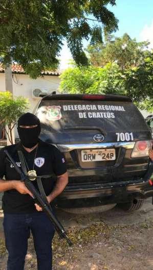 O trio foi preso em Crateús após troca de informações com a polícia do Maranhão.  (Foto: Divulgação/SSPDS)
