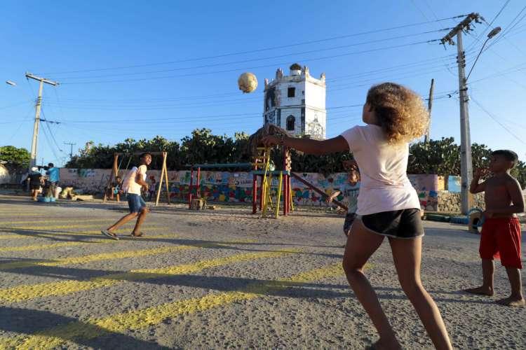Jovens do bairro Cais do Porto poderão receber capacitação profissional gratuita (Foto: Júlio Caesar)