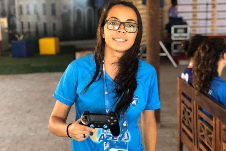 Alexssandra Pereira, atleta cearense que vai representar o Brasil no FISU eSports Challenge Football (Foto: Divulgação)