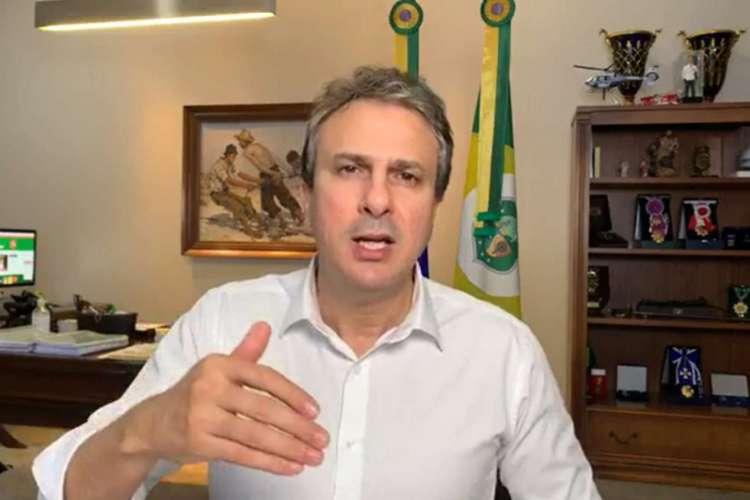 Camilo repercutiu decisão durante live na noite desta quarta-feira, 15 (Foto: Reprodução)