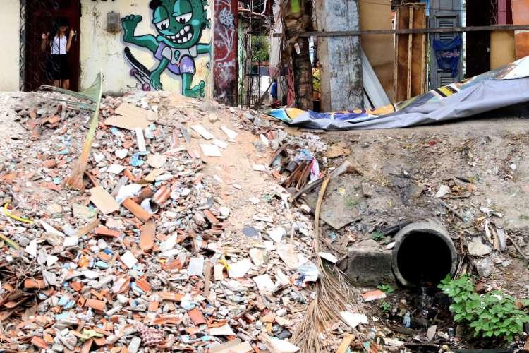 PESQUISA aponta que 26% dos municípios cearenses despejam esgoto sem tratamento adequado em rios (Foto: Fabio Lima/O POVO)