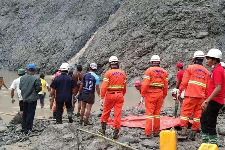 A tragédia ocorreu após uma forte tempestade atingir a mina em Hpakant  (Foto:  Divulgação/Corpo de Bombeiros de Mianmar/Via AFP)
