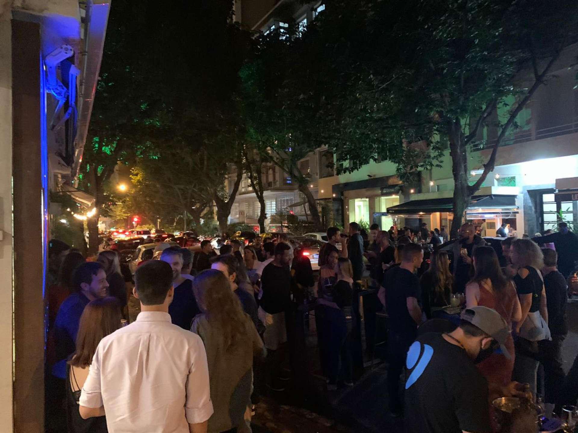 A exemplo do que ocorreu no Rio de Janeiro, abertura de bares pode gerar aglomerações