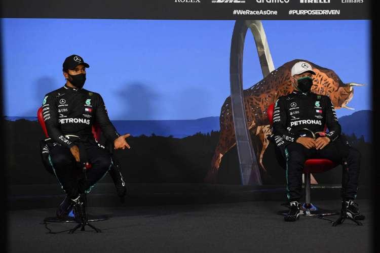 Dupla da Mercedes, Lewis Hamilton e Valtteri Bottas, dominou os treinos classificatórios do GP da Áustria (Foto: AFP)