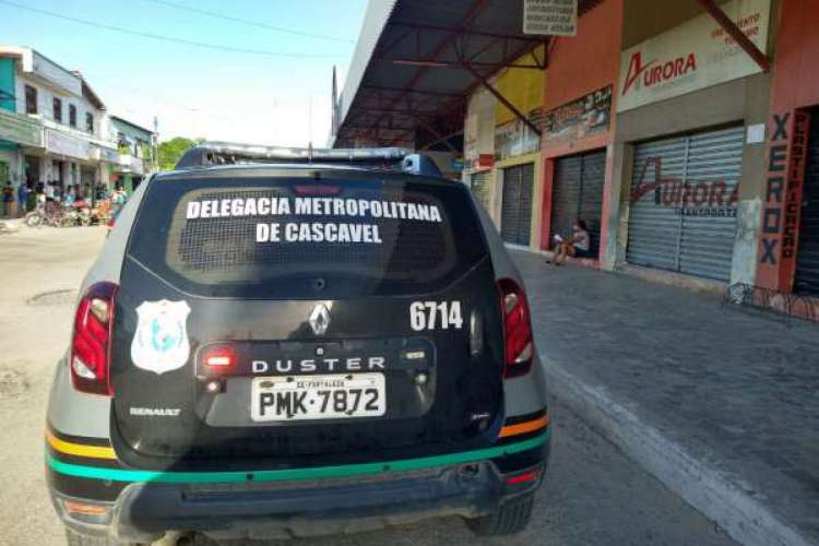 Dupla e adolescente de 16 anos são apontados como suspeitos de cometerem vários roubos na região de Cascavel (Foto: SSPDS)