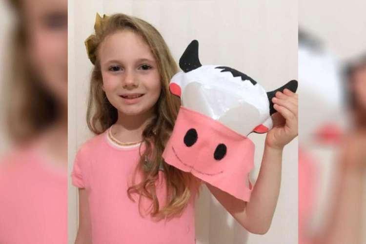 Menina Hellen, de sete anos, venceu o concurso de máscara promovido pela ministra Damares (Foto: REPRODUÇÃO)