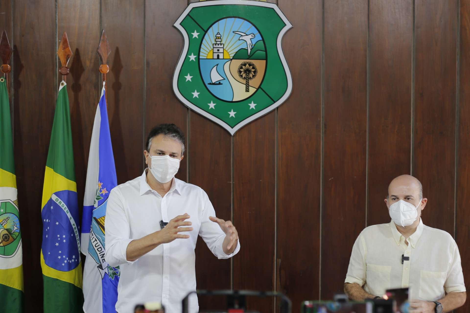 GOVERNADOR Camilo Santana e o prefeito Roberto Cláudio anunciaram como será a nova etapa em live