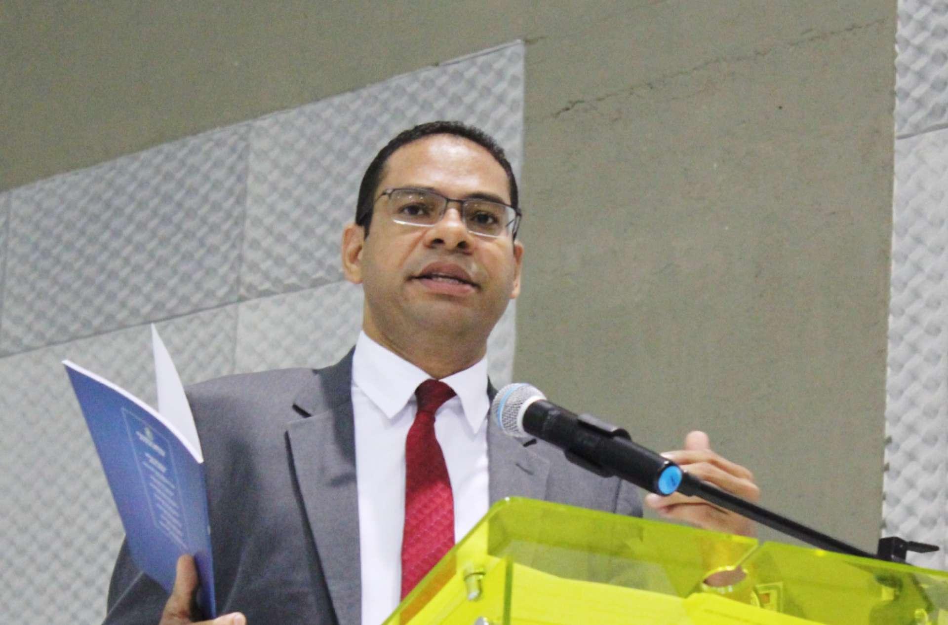 André Costa, advogado