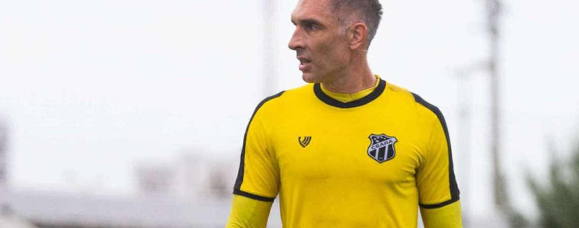 Fernando Prass, goleiro do Ceará, completou 42 anos no dia 9 de julho (Foto: Felipe Santos/cearasc.com)