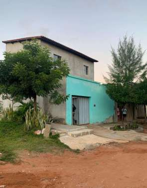Casa localizada no bairro Muriti, onde os homens foram detidos