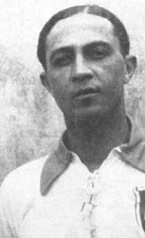 Arthur Friedenreich chegou a ser persuadido a jogar a Copa de 1930, mas acabou ficando de fora por conta da briga entre cariocas da CBD e paulistas da Apea