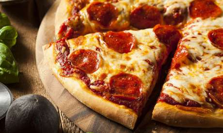 Dia da Pizza é celebrado com promoções nas redes de pizzarias localizadas no shopping Riomar Fortaleza