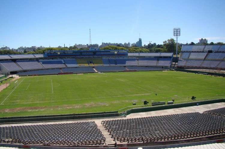 Vista de dentro do estádio Centenário, em Montevidéu, atualmente