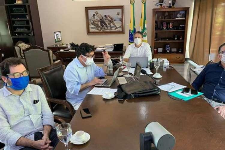 Camilo Santana fez reunião nesta sexta antes de anunciar decisões sobre reabertura (Foto: Reprodução/Instagram)
