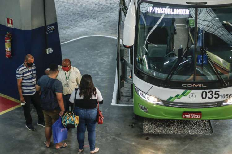 O edital prevê a atuação de ônibus intermunicipais para 47 municípios do Ceará das região do Maciço do Baturité e do Litoral Oeste. (Foto: Barbara Moira)