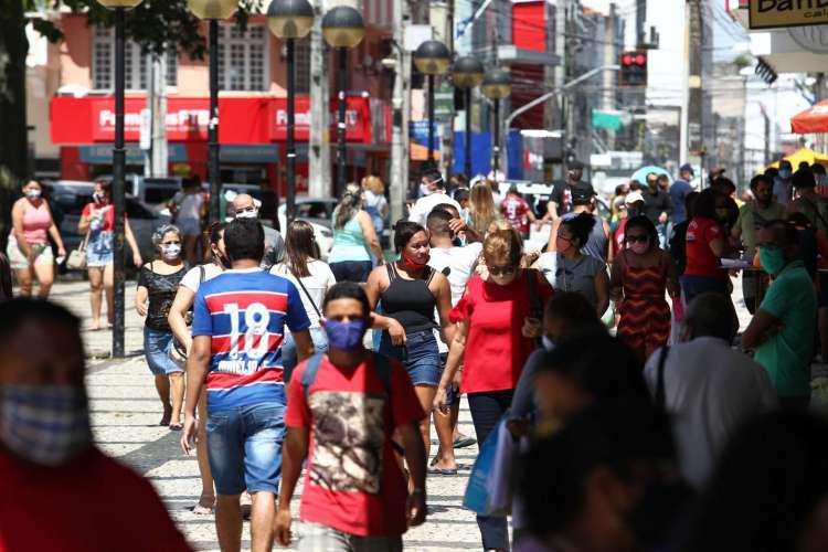 Fortaleza é o município mais avançado no processo de retomada, mas assim como nas regiões do interior do Estado, alguns setores e serviços segue proibidos de funcionar; Confira quais são  (Foto: Fabio Lima)