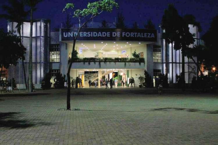 Unifor anuncia segundo semestre letivo com modelo híbrido de aulas presenciais e virtuais   (Foto: KLÉBER A. GONÇALVES)