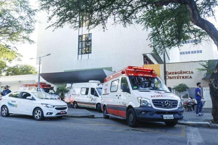 Hospital Geral de Fortaleza tem realizado drive-thru de testes rápidos de Covid-19 (Foto: Barbara Moira)