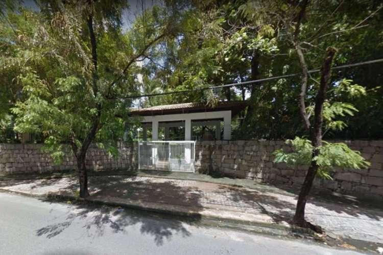 As ruas do entorno da residência do chefe do Executivo Estadual chegaram a ser fechadas para impedir a ação criminosa (Foto: Reprodução/Google Maps)