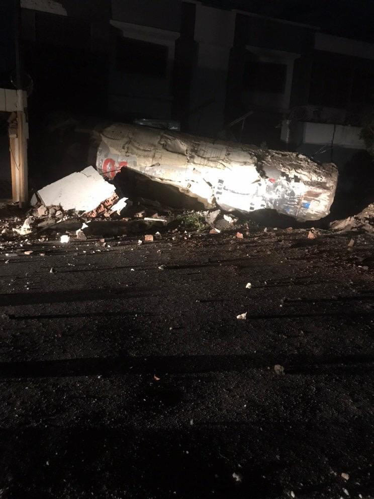Explosão causou forte barulho e foi sentida por moradores da região, que também relataram cheiro intenso de gás (Foto: Via WhatsApp O POVO)