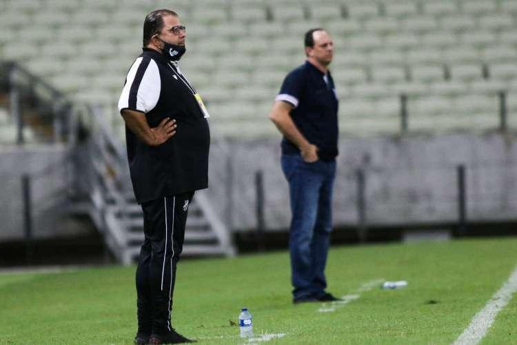 Jogos entre Guto Ferreira e Rogério Ceni têm sido de muita estratégia  (Foto: Pedro Chaves/FCF)